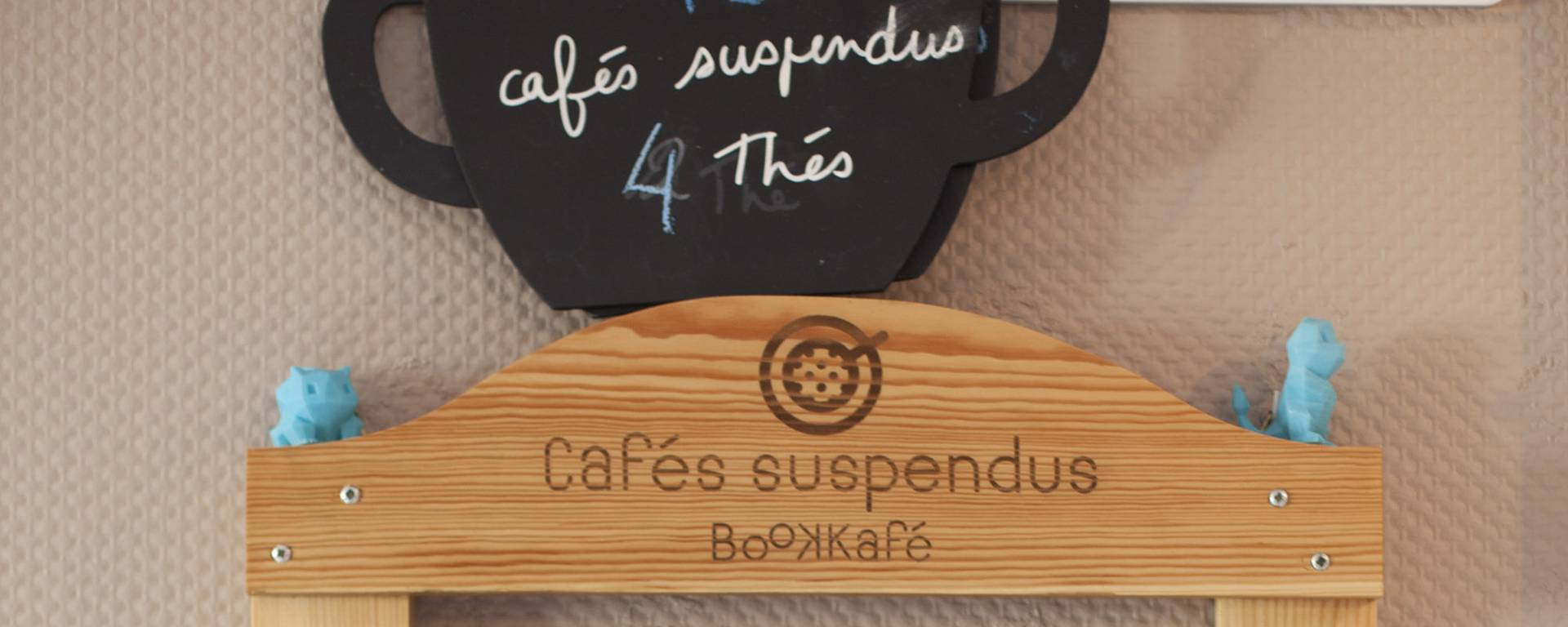 "Les "" Cafés suspendus "" © Brigitte Baudesson"