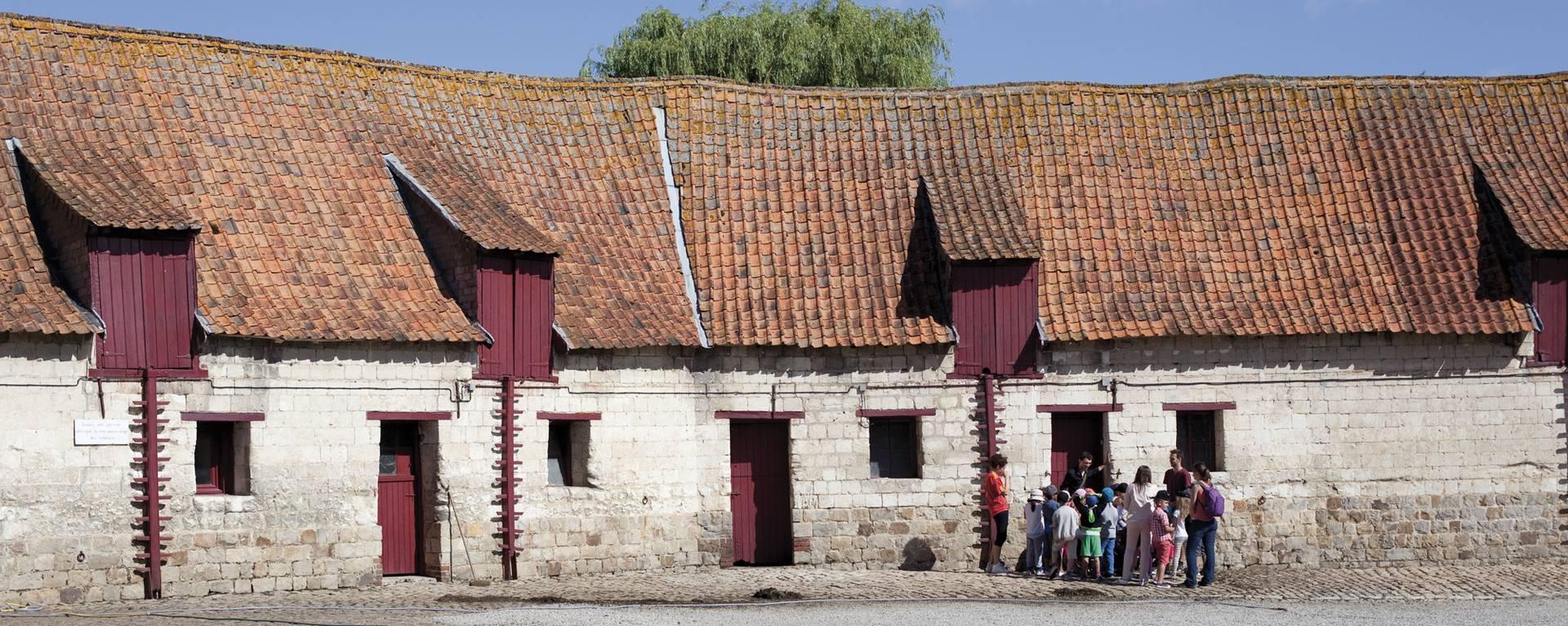 La basse-cour du château d'Olhain © Brigitte Baudesson