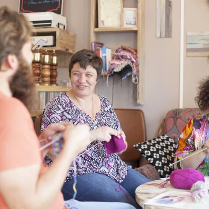 Atelier tricot pour tous © Brigitte Baudesson