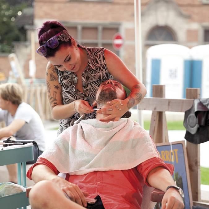 Un tour chez le barbier © Brigitte Baudesson