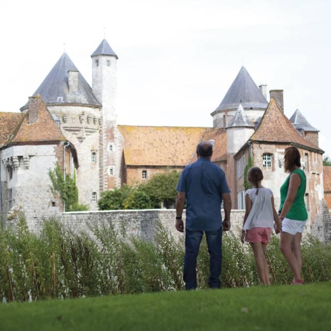 Derrière le Château d'Olhain - Fresnicourt-Le-Dolmen © Brigitte Baudesson